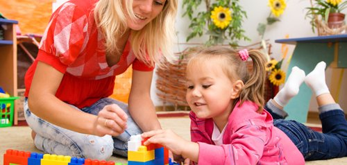 Babysitter providing educational and engaging childcare solution in Southbury, CT