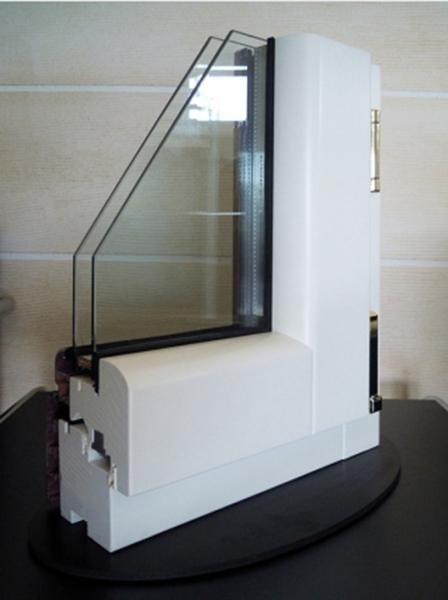 Fusion68 - Legno Abete Finitura RAL9010 Profilo esterno Alluminio Tipo profilo Soft Effetto Legno renolite chiaro