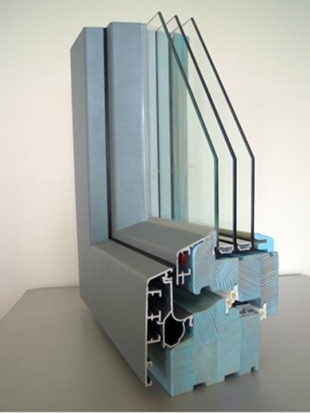 Clima92 – Legno Larice Finitura Patinato Azzurro Profilo esterno Alluminio Tipo profilo Squadrato sabbiato grigio