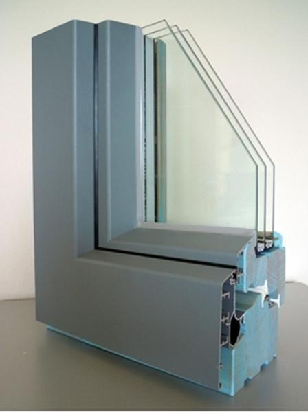 Clima 92 - Legno Larice Finitura Patinato Azzurro profilo esterno Alluminio Tipo profilo Squadrato sabbiato grigio