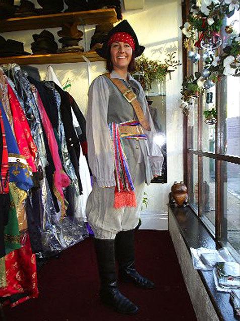 A lady in a pirate costume