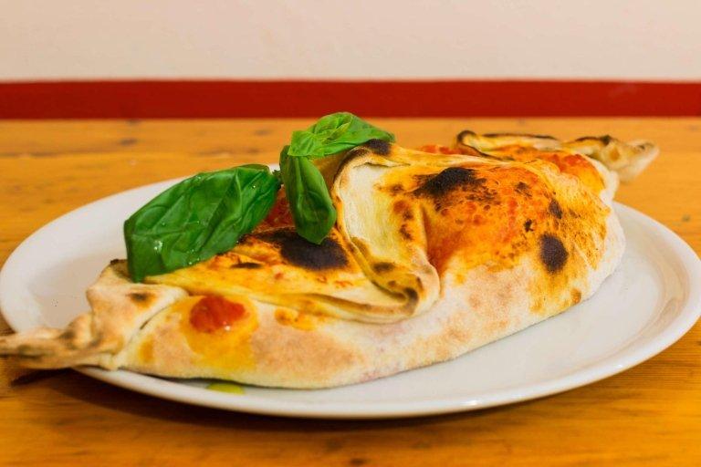 Calzone Pizzeria Zero Zero