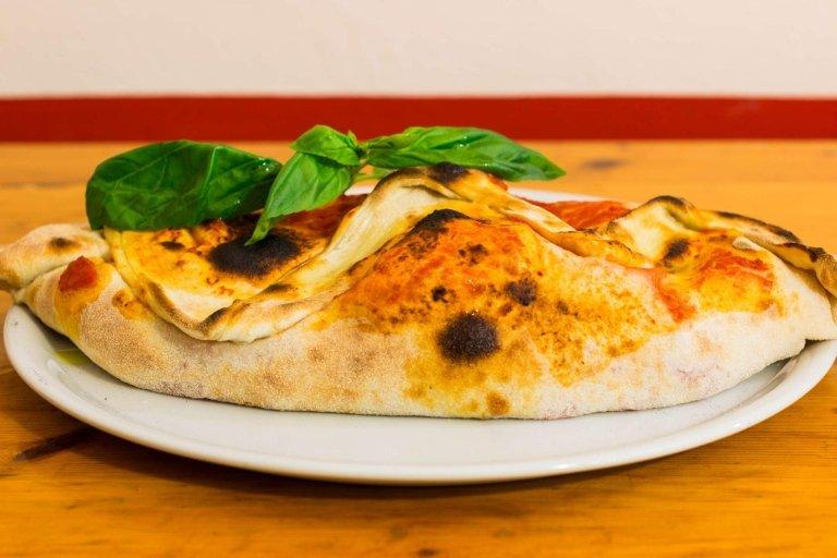 Calzone Pizzeria