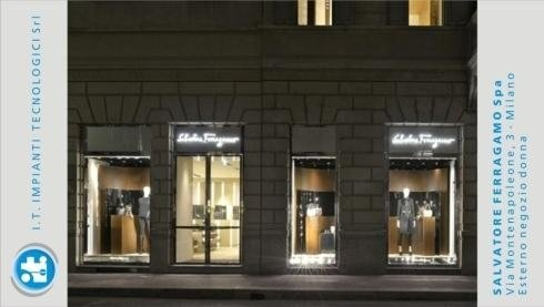 Salvatore Ferragamo Spa – Via Montenapoleone 3 – Milano – Esterno negozio donna