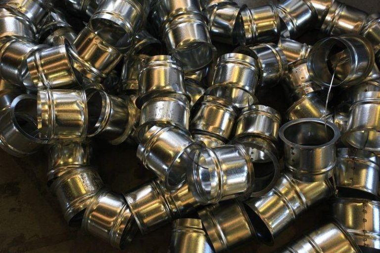 composants métalliques