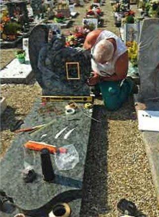 tombe e marmi, fotoceramiche, accessori per lapidi