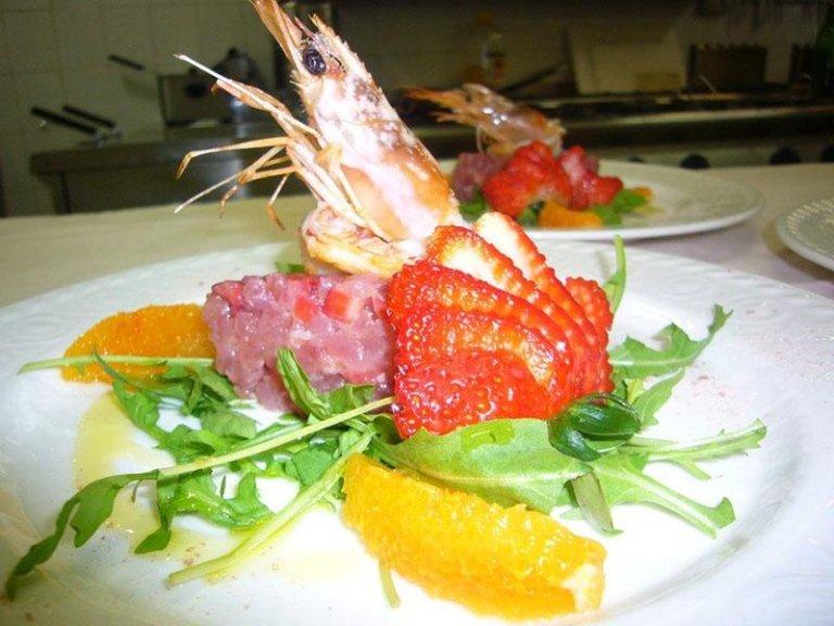 pesce marinato con le fragole