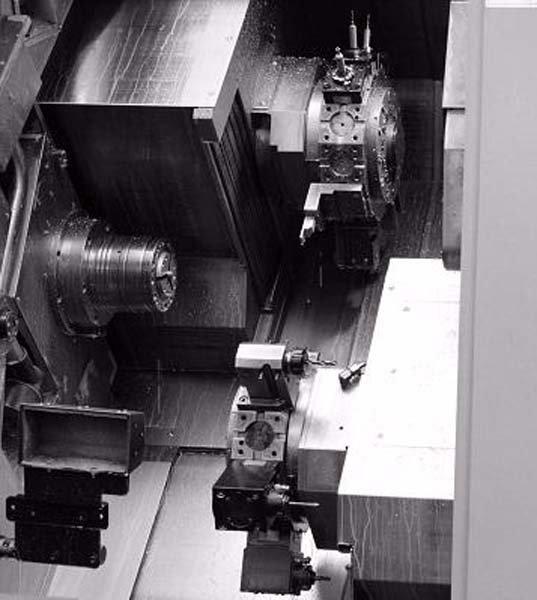 officina meccanica con materiale