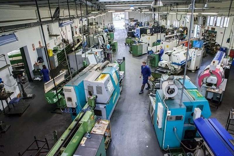 officina produzione macchine utensili