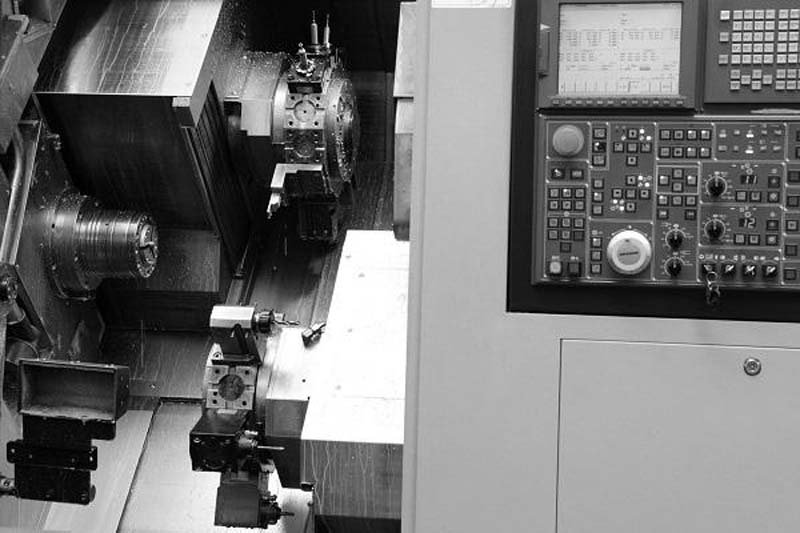 officina meccanica di precisione