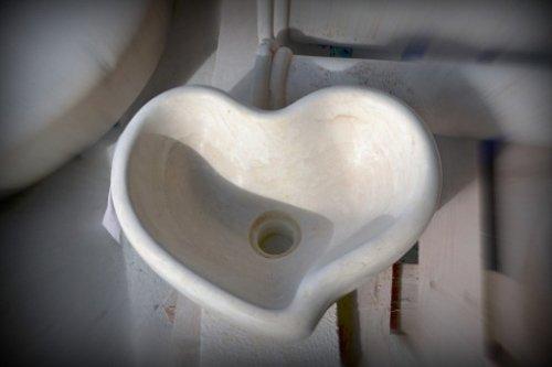 Lavabo a forma di cuore