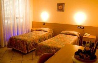 Camera matrimoniale albergo Il Gallo