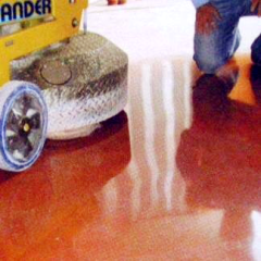 pulizia pavimenti resina