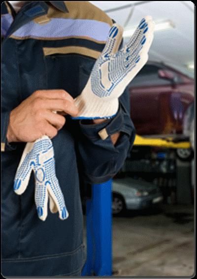 meccanico con guanti