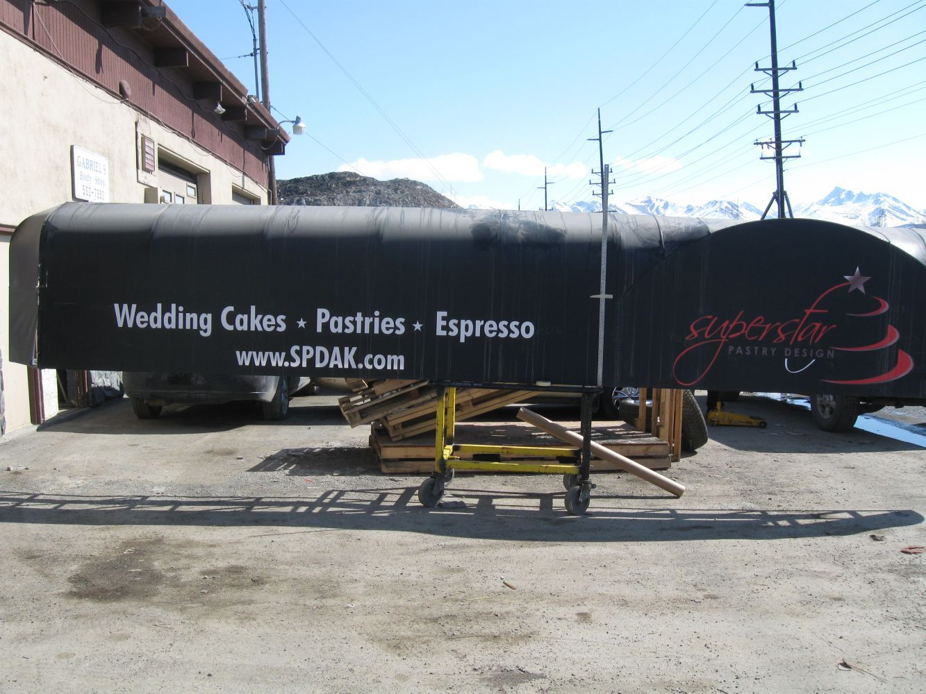 On-site fabrication of signage
