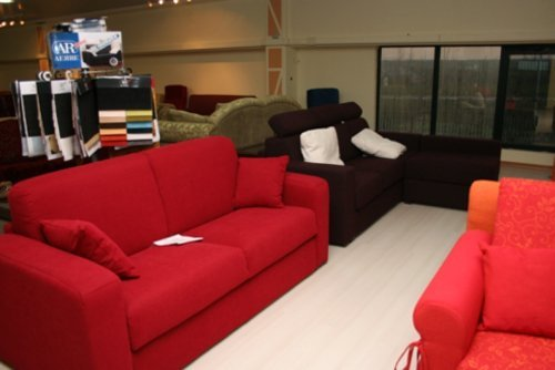 esposizione di divani