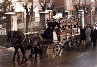carrozza funebre Onoranze Funebri Roletto