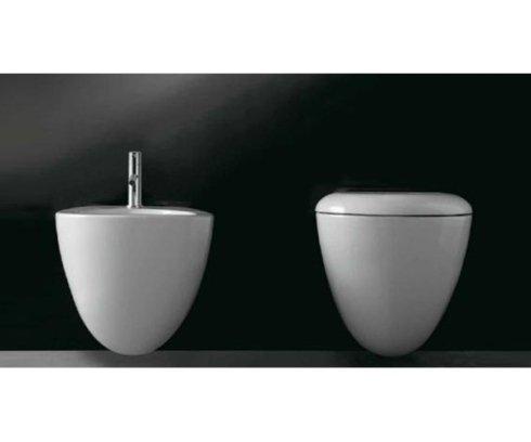 un bidet e un Wc a forma di vaso