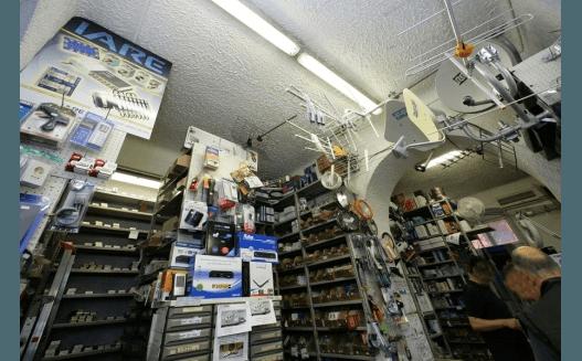 scaffali negozio