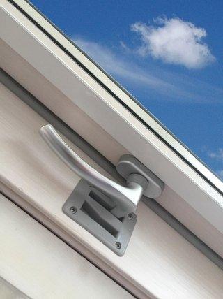 window in ventilation position