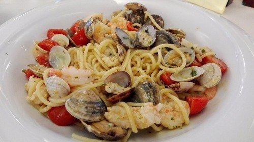 degli spaghetti ai frutti di mare