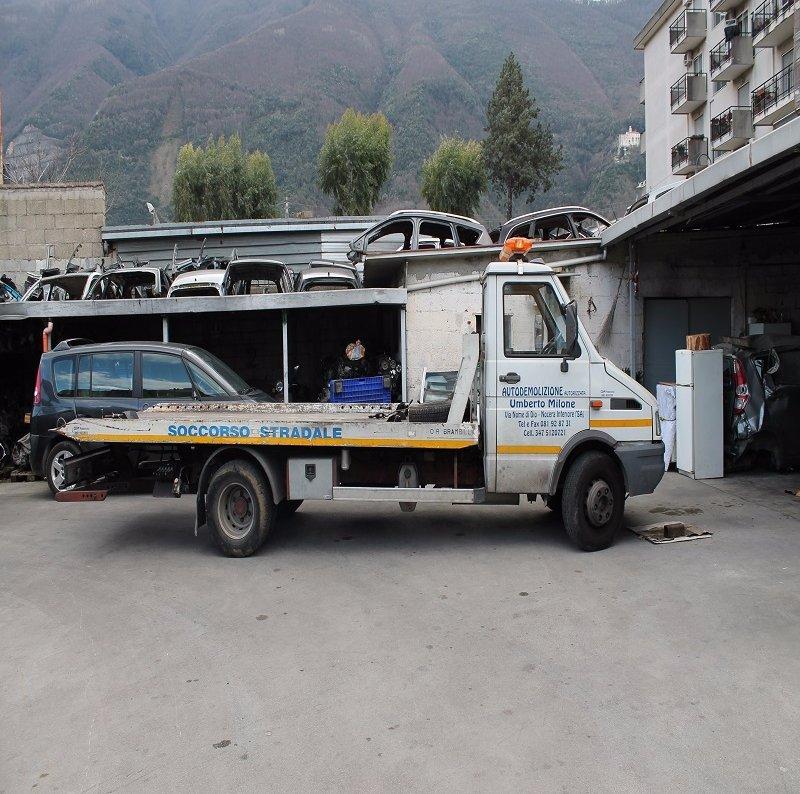 un veicolo per il soccorso stradale