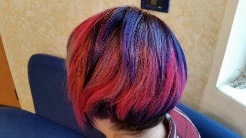 capelli corti in colorazione 4D di profilo
