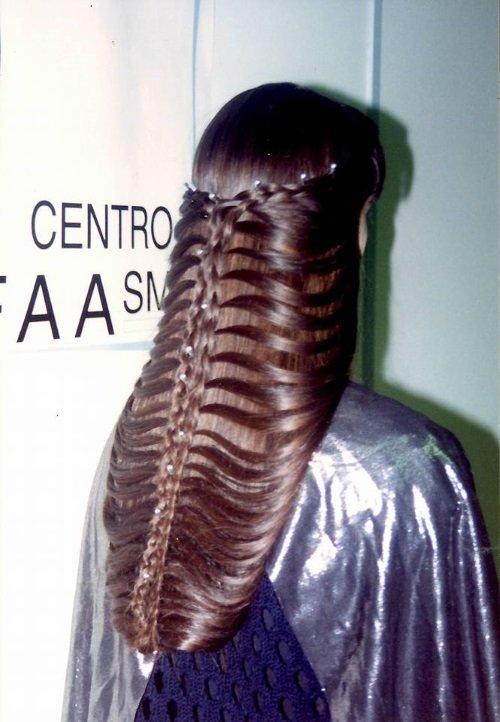 bellissima treccia avvolgente con capelli castani