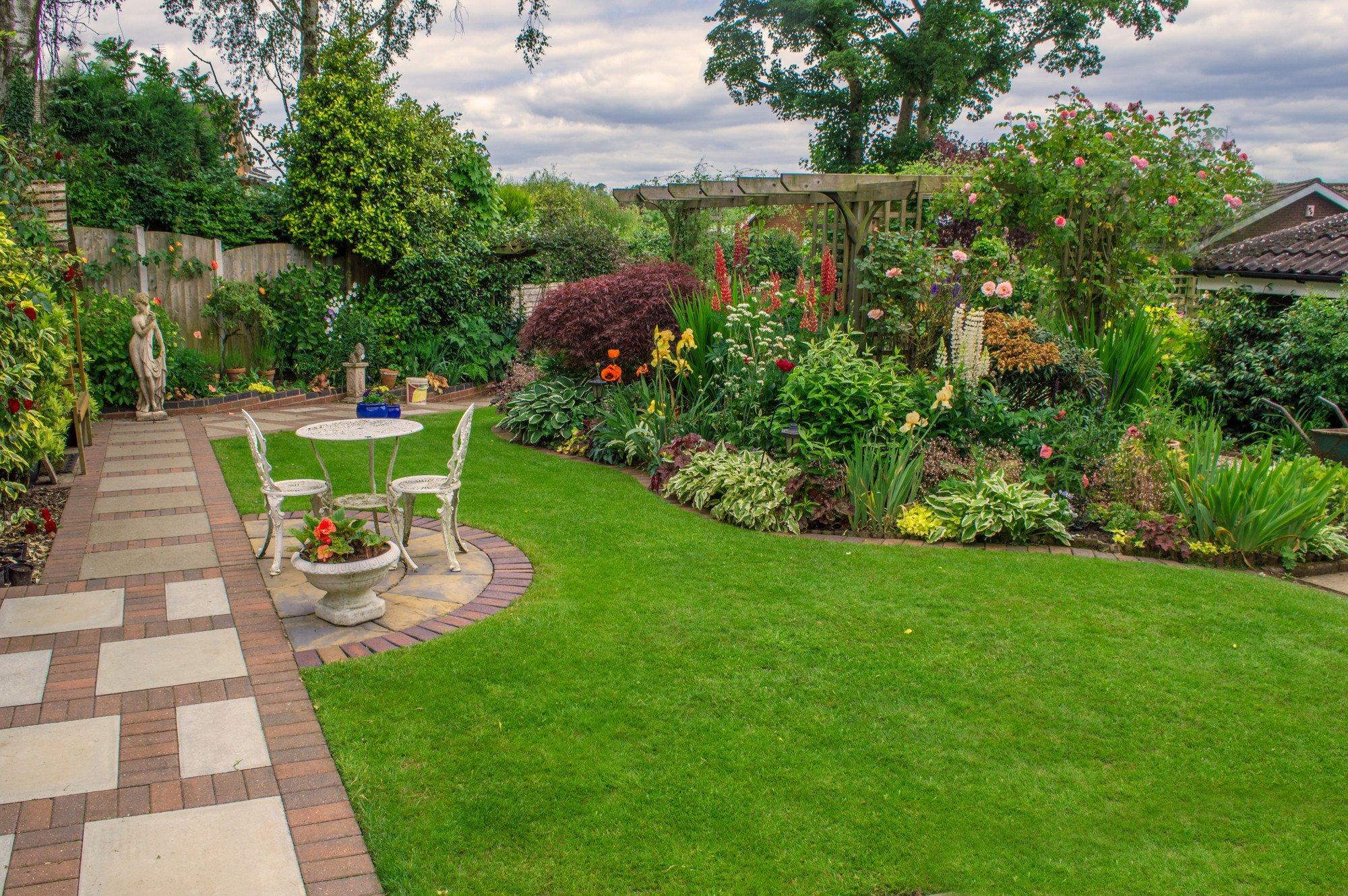 Garden design in Leicestershire by Natura Garden Design Ltd