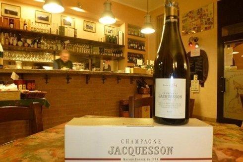 Spazio interno della vineria.