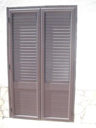 Persiana-in-alluminio-colore-marrone-gotico