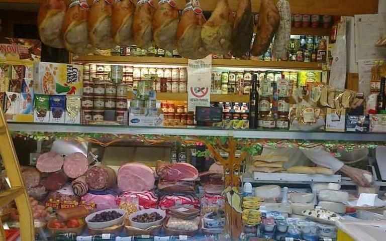 Salumi e prodotti tipici toscani