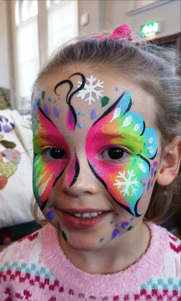 kid face painted