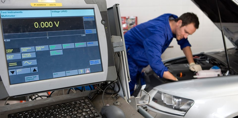 car servicing expert