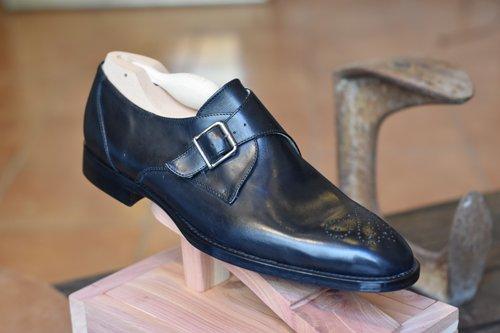 scarpa nera per eventi mondani