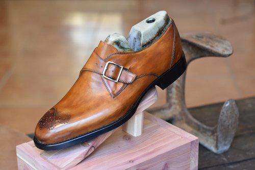 scarpa elegante uomo con laccio