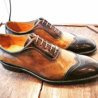 Scarpe effetto lucido