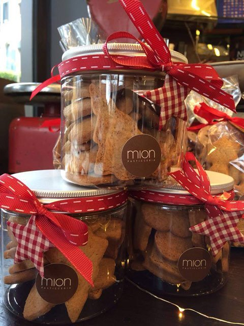 barattoli regalo con biscotti