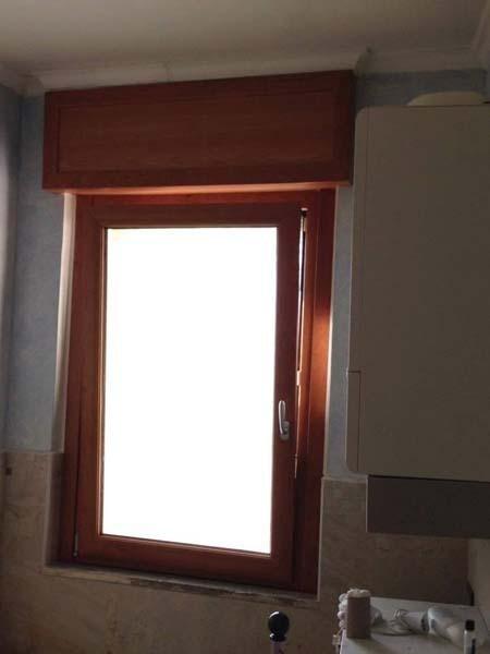 finestra con serranda