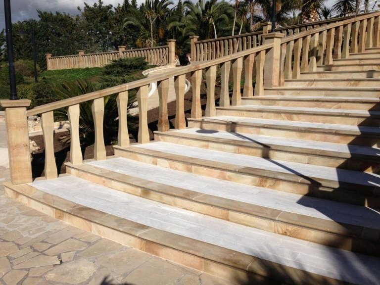 scale in pietra di Mistretta