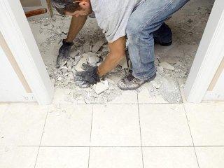 Beseitigung von Schutt und Entsorgung von Zementrückständen