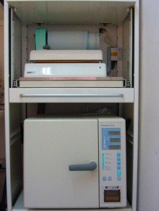 Macchina per la sterilizzazione degli stumenti