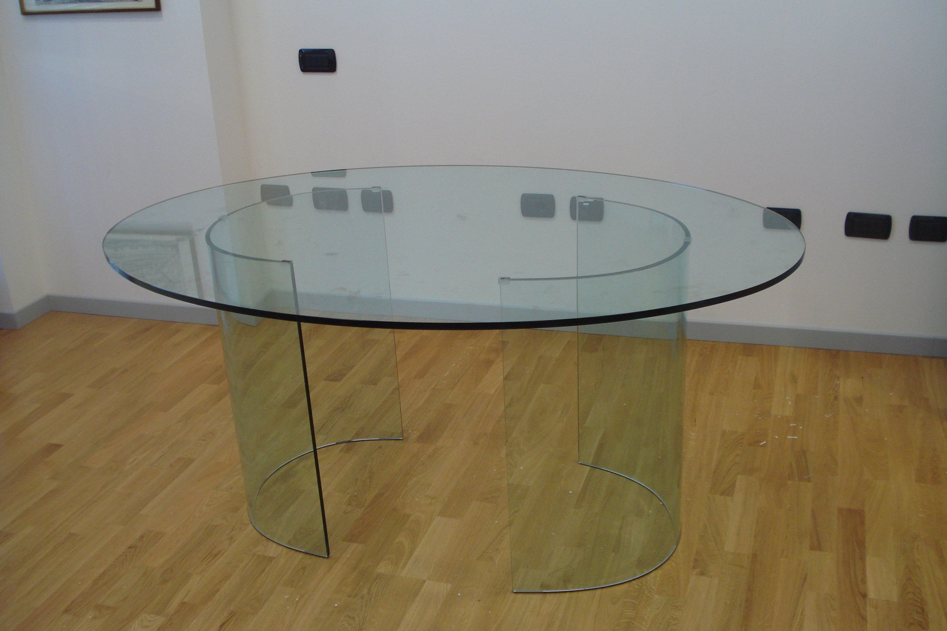 tavolo rotondo in vetro