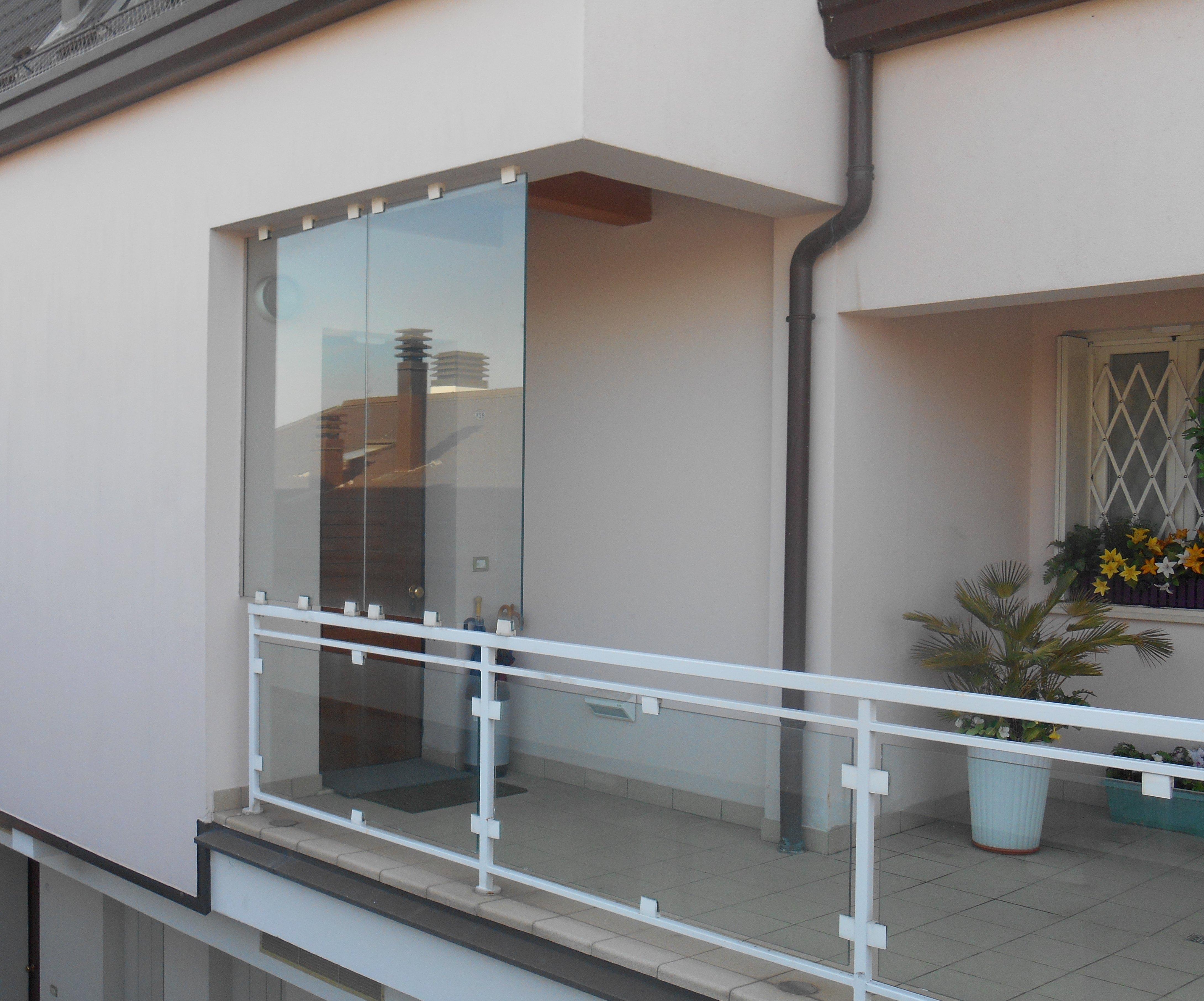terrazza con protezione in vetro