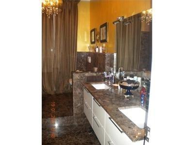 bagno in marmo Marron Emperador Dark