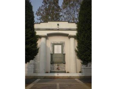 mausoleo in marmo