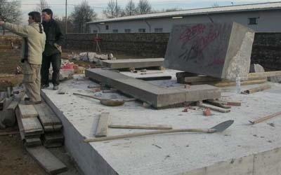 costruzione mausoleo