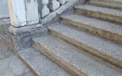 restauro scala in marmo