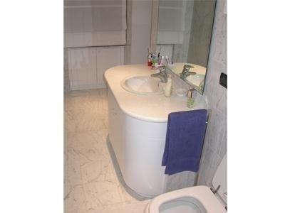 bagno in marmo Bianco di Carrara