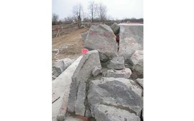 blocchi di marmo per mausoleo